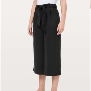 Lululemon Noir Crop Pants Black